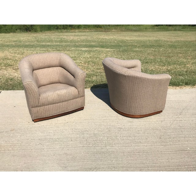 English Traditional Mid-Century Modern Swivel Club Chairs Wood Plinth Base - a Pair For Sale - Image 3 of 13