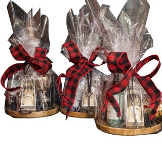 Men's Grooming Holiday Gift Basket: Includes One Vintage Item For Sale