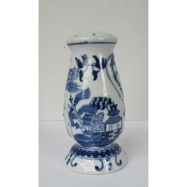Blue Willow Sugar Shaker Muffiner For Sale - Image 6 of 6