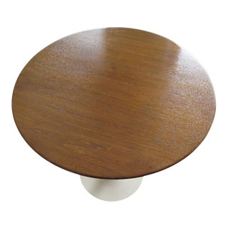 Knoll Saarinen Walnut Top Side Table For Sale