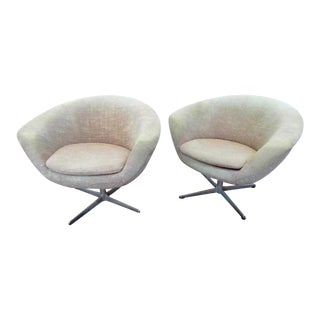 Mid Century Scandinavian Swivel Pod Chairs- a Pair For Sale