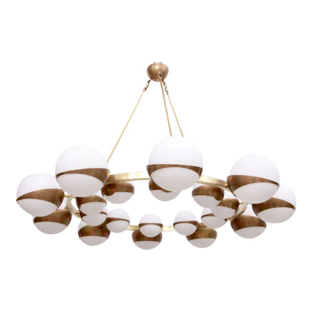 Very Huge and Impressive Murano and Brass Chandelier Attributed to Stilnovo For Sale