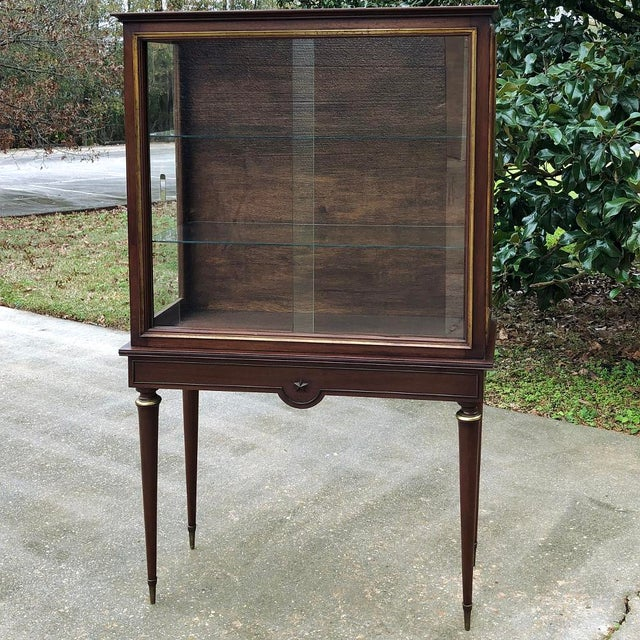 1900s Antique French Louis XVI Vitrine For Sale - Image 13 of 13