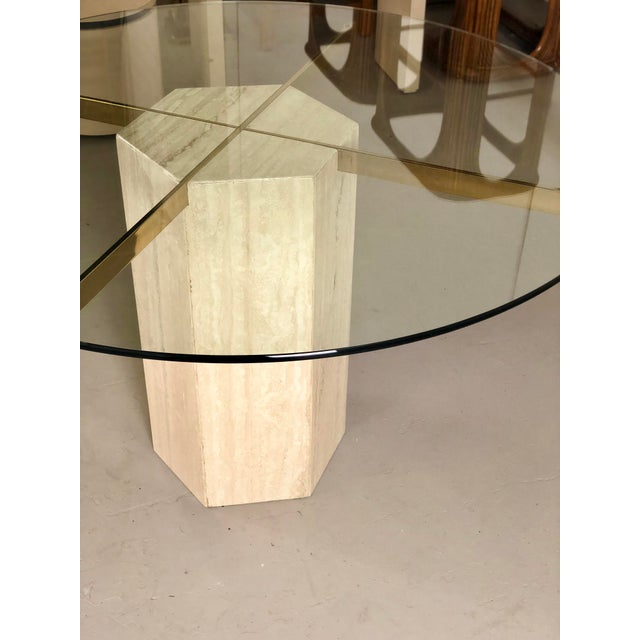 Artedi 1980s Modern Artedi Round Travertine Stone and Glass Dining Table For Sale - Image 4 of 9