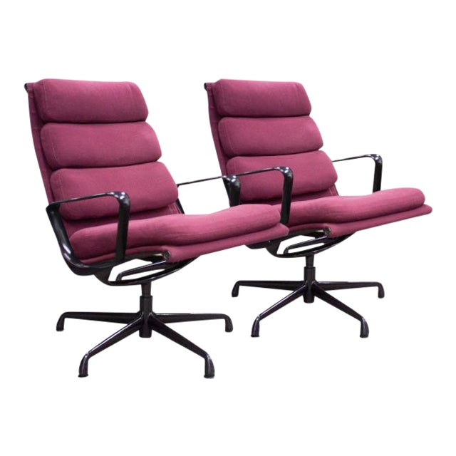 1980s Herman Miller Eames Aluminum Group Chair - a Pair For Sale