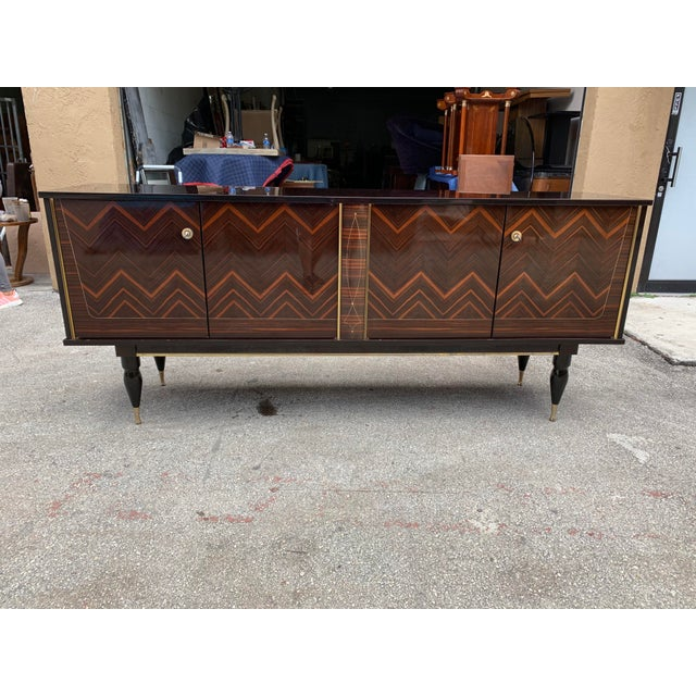 """1940s French Art Deco Exotic Macassar Ebony """"Zigzag"""" Buffet/Sideboard For Sale - Image 4 of 13"""