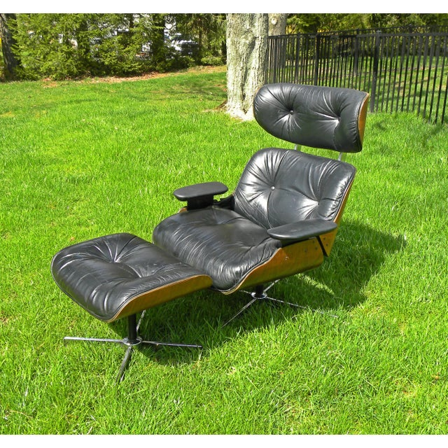 Danish Modern Vintage Plycraft Mid Century Vintage Leather Lounge Chair & Ottoman For Sale - Image 3 of 11