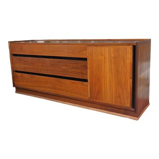 Merton Gerhsun for Dillingham Esprit Collection 9 Drawer Lowboy Walnut Dresser For Sale