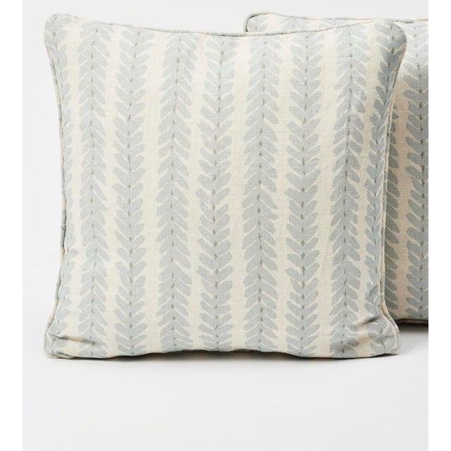 2010s Schumacher Double-Sided Pillow in Woodperry Linen Print For Sale - Image 5 of 7