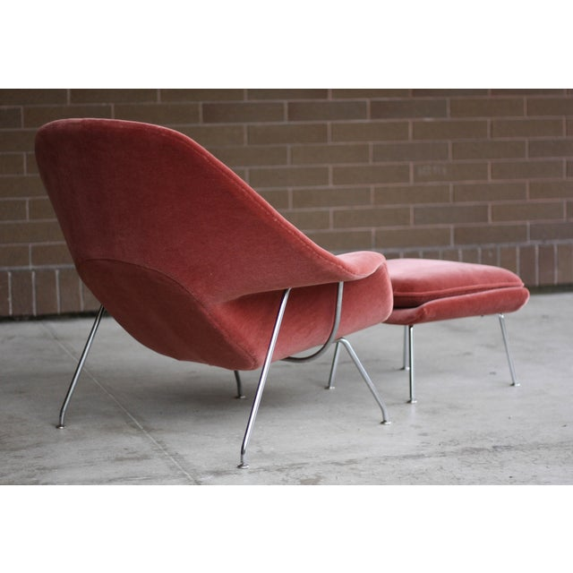 Knoll 1990s Vintage Eero Saarinen for Knoll Mohair Womb Chair and Ottoman For Sale - Image 4 of 8