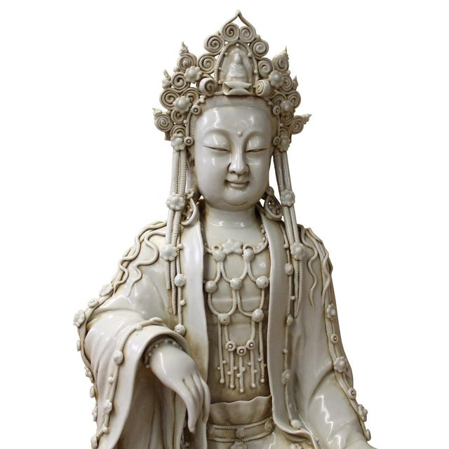 Chinese Tong Style Porcelain Kwan Yin Tara Bodhisattva Statue For Sale In San Francisco - Image 6 of 7