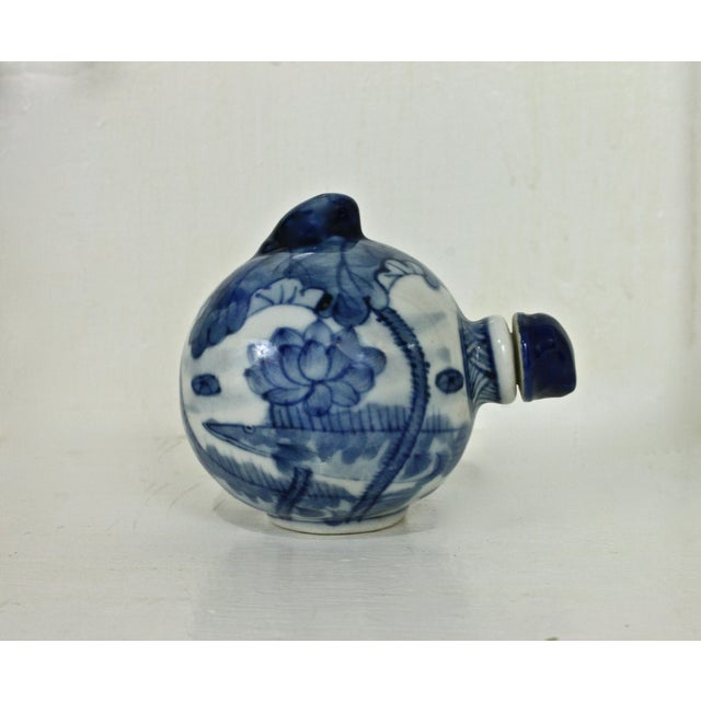 Blue & White Hand Painted Snuff Bottle - Image 5 of 7