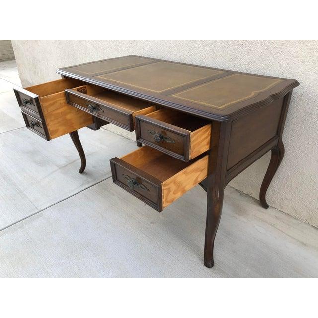 Wood Original Vintage Sligh Furniture Leather Top Writing Desk For Sale - Image 7 of 13