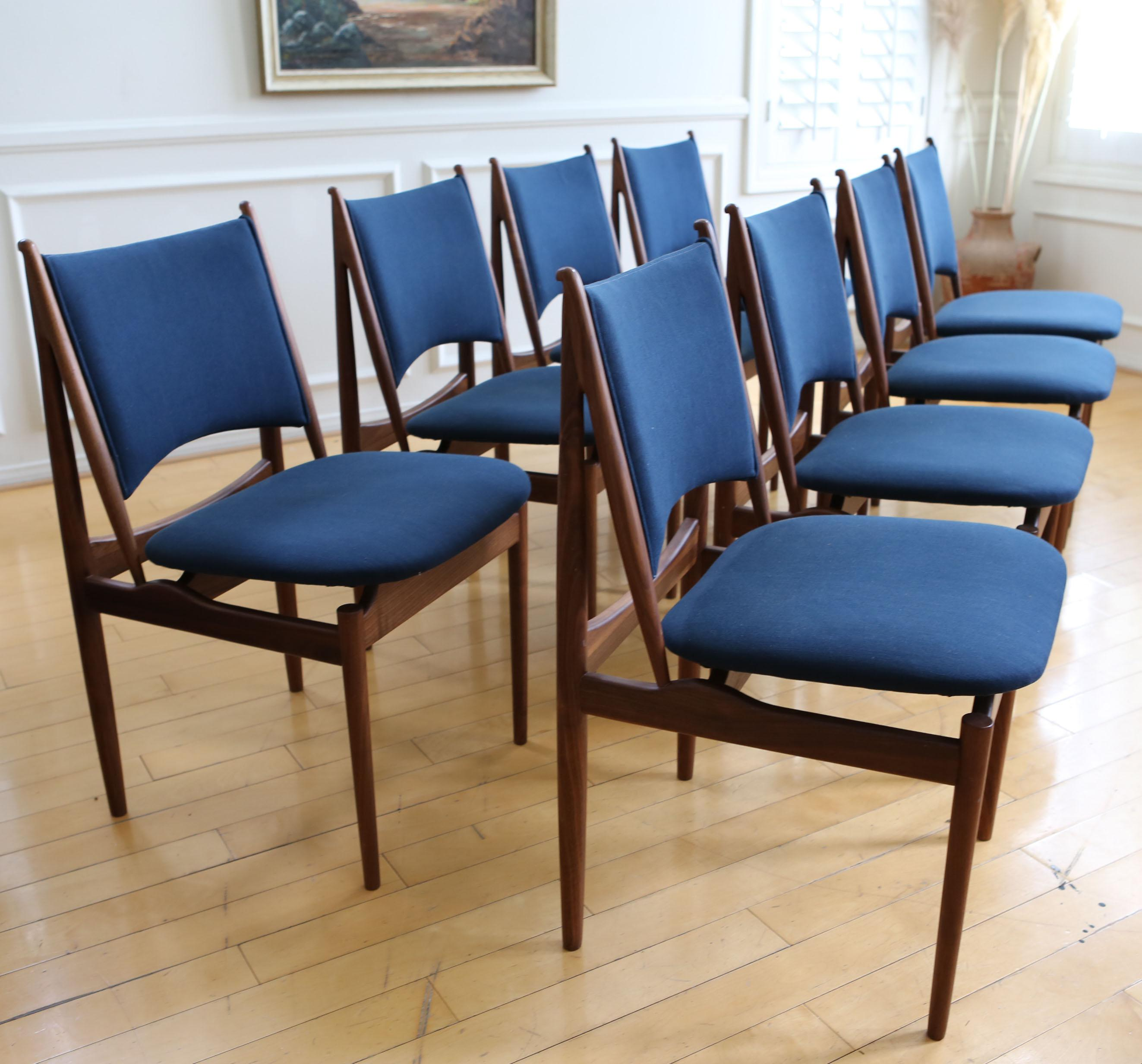 Mid Century Modern Teak Dining Chairs In Navy Blue   Set Of 8   Image 2
