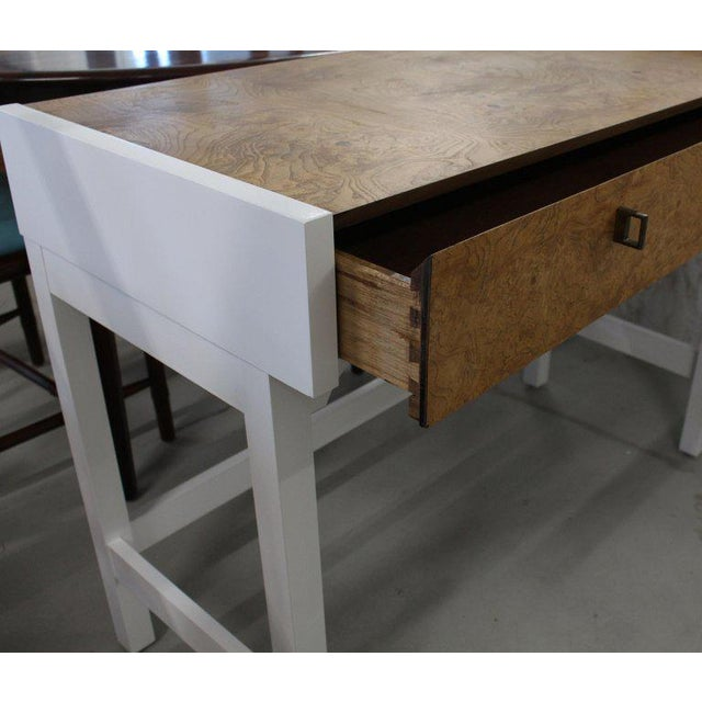 Mid-Century Modern White Lacquer Burl Wood Top Petit Desk Console Hall Table For Sale - Image 3 of 7