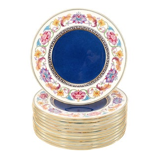 Set of 12 Wedgwood Dinner Plates with Cobalt Centers & Aesthetic Movement Enamel For Sale