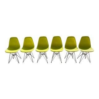 Vintage Mid-Century Modern Eiffel TowerPlastic Chairs - Set of 6 For Sale