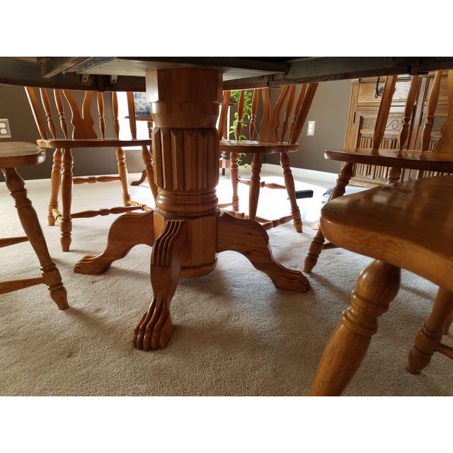 1990s Country Honey Oak Clawfoot Dining Set - 7 Pieces For Sale In Philadelphia - Image 6 of 9