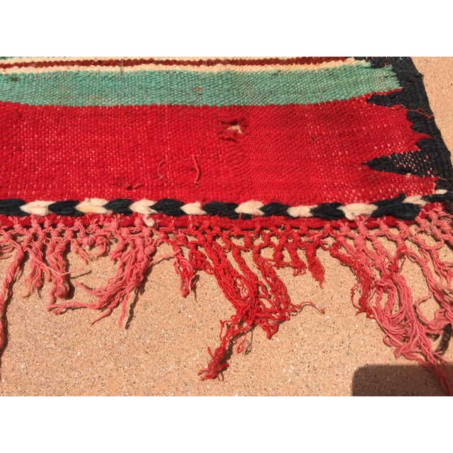 Moroccan Vintage Flat-Weave Rug For Sale In Los Angeles - Image 6 of 9