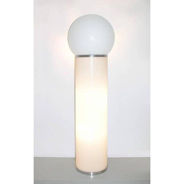 Mid-Century Modern Lom 1960s Italian Minimalist Cylindrical Double Lit White Floor Lamp For Sale - Image 3 of 8