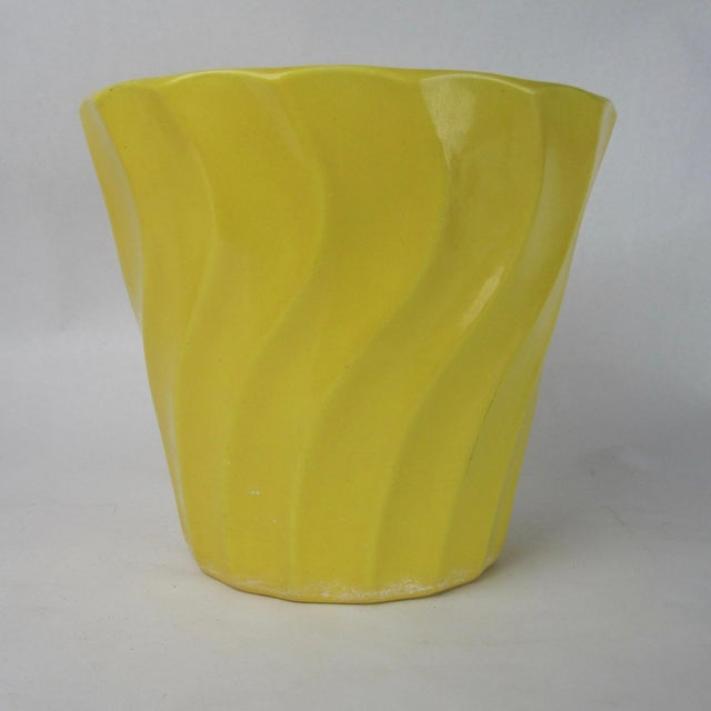 Vintage Yellow Bauer Swirl Flower Pot Size 8 - Image 2 of 6