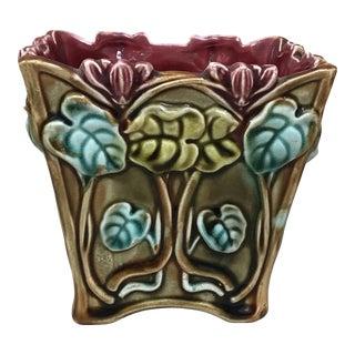 Majolica Cyclamens Cache Pot Onnaing, Circa 1900 For Sale