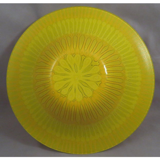 Hollywood Regency 1970s Mid-Century Modern Higgins Fused Yellow Glass Bowl For Sale - Image 3 of 4
