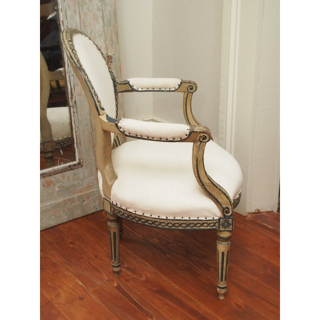 White PAIR OF LOUIS XVI PAINTED FAUTEUILS For Sale - Image 8 of 11