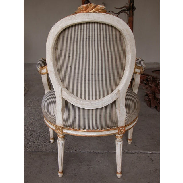 Gustavian (Swedish) A Pair of Gustavian Style Ivory Painted & Parcel Gilt Armchairs For Sale - Image 3 of 7