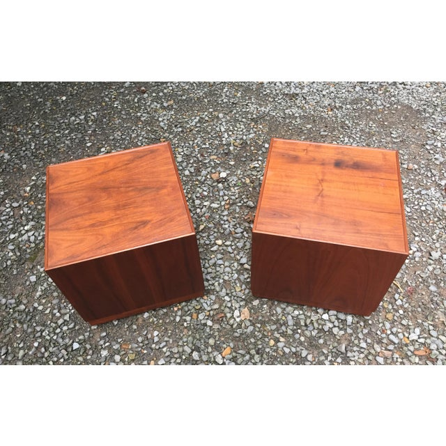 Mid 20th Century Jens Risom Mid Century Modern Cube Tables ~ a Pair For Sale - Image 5 of 13