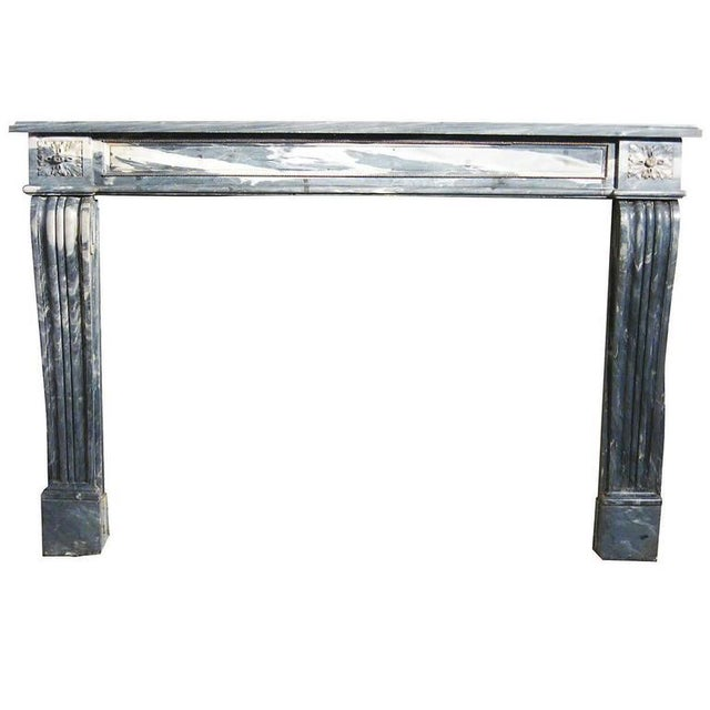 19th Century Italian Carrara Marble Fireplace Mantle For Sale - Image 4 of 4