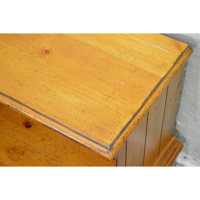 Pine Drexel Heritage Pinehurst Collection Rustic 1 Drawer Side Table of Nightstand For Sale - Image 7 of 13