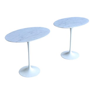 Eero Saarinen Oval Carrara Marble Tulip Side Tables for Knoll Circa 1972 For Sale