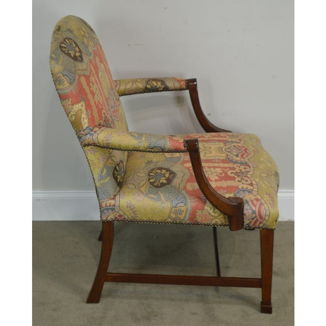 1990s Smith & Watson Hepplewhite Mahogany Pair Open Armchairs For Sale - Image 5 of 13