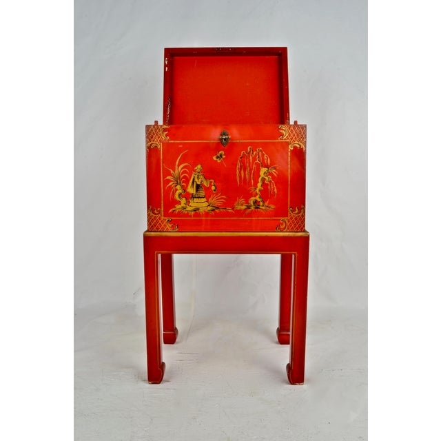 Chinoiserie Box on Stand For Sale - Image 4 of 13