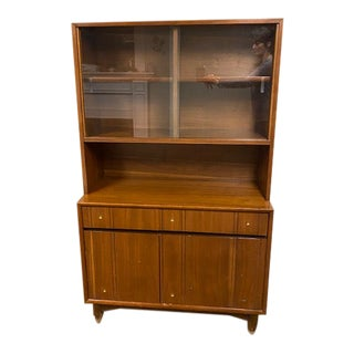 Kroehler Mid-Century Display Cabinet/Hutch For Sale