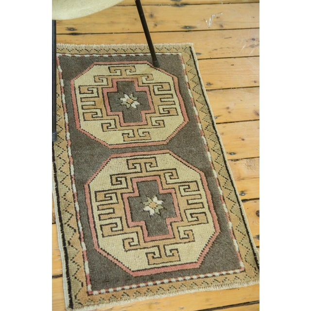 "Vintage Turkish Oushak Runner - 1'8"" x 2'9"" For Sale - Image 4 of 6"
