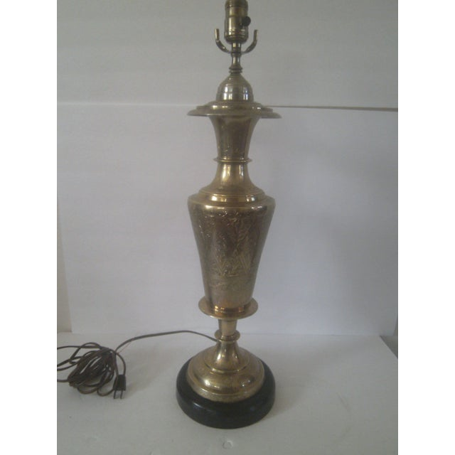 Traditional Vintage Brass Jardiniere Lamp For Sale - Image 3 of 8