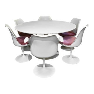 1960s Eero Saarinen for Knoll Tulip Table and Six Chairs - 7 Pieces For Sale