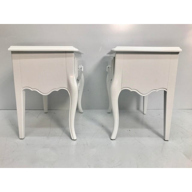 French Vintage Ethan Allen French Style Nightstands - a Pair For Sale - Image 3 of 10