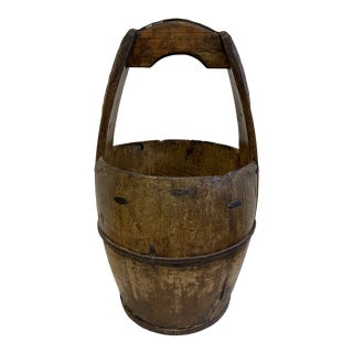 Early 20th Century Chinese Wooden Water Bucket For Sale