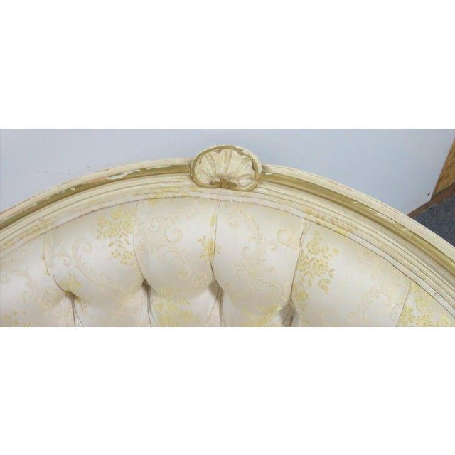 Early 20th Century Louis XV Style Cream Painted Chaise Lounge For Sale - Image 5 of 7