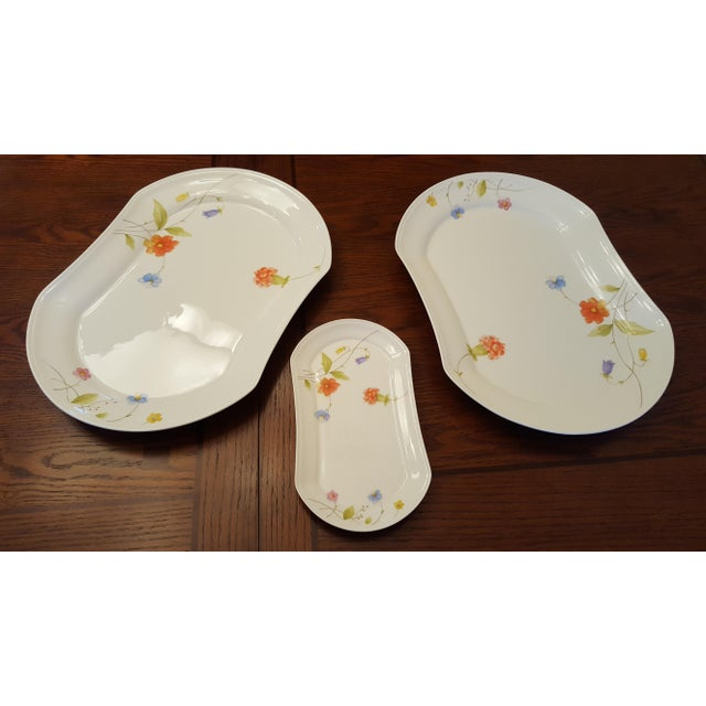 "Mikasa ""Just Flowers"" Dinnerware Set - Image 7 of 11"