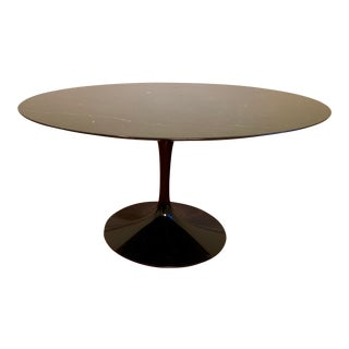 "Mid-Century Modern Saarinen 54"" Round Dining Table For Sale"