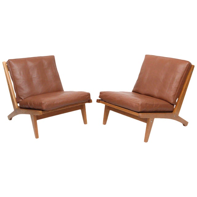 Pair of Hans Wegner GE-375 Lounge Chairs For Sale