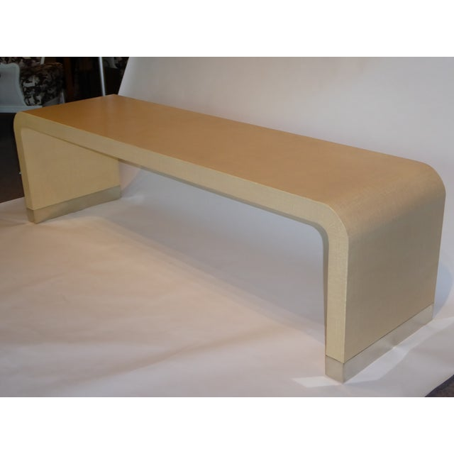 1970s Long Muriel Rudolph Modern Lacquered Grass Cloth Waterfall Console Table - Image 2 of 11