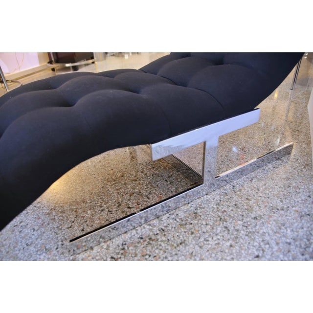 """Late 20th Century 1970s Milo Baughman """"Wave"""" Chaise in Polished Chrome and Black Upholstery For Sale - Image 5 of 8"""