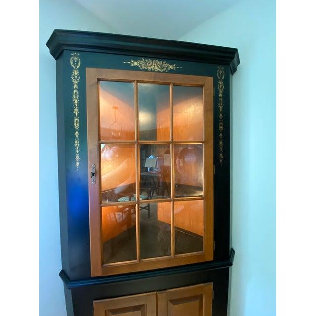 American Black/Harvest Newington Hitchcock Lighted Corner Cabinet For Sale - Image 3 of 13