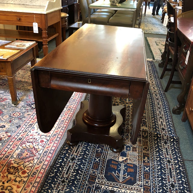 British Colonial 1900s British Colonial Mahogany Drop Leaf Table For Sale - Image 3 of 13