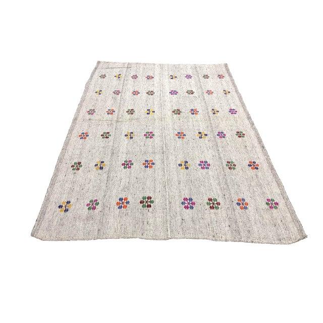 Textile Turkish Natural Patterned Handwoven Kilim Rug - 6′1″ × 8′10″ For Sale - Image 7 of 7